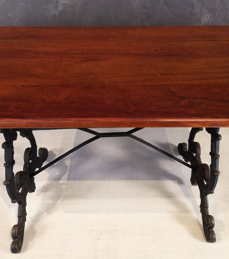 English Bistro or Pub Table of Cast Iron with Wooden Top In Excellent Condition For Sale In Austin, TX