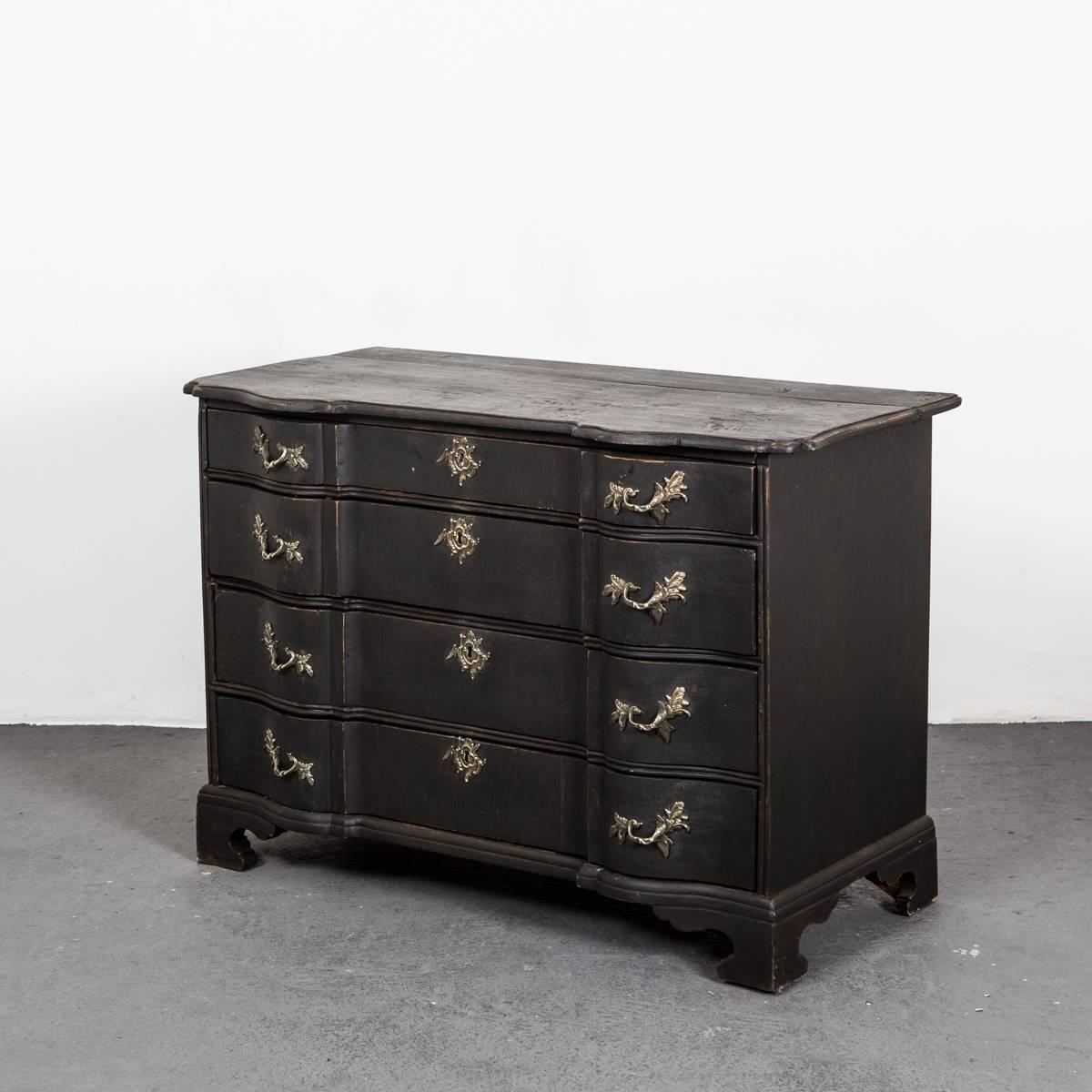 chest of drawers barock period for sale at 1stdibs. Black Bedroom Furniture Sets. Home Design Ideas