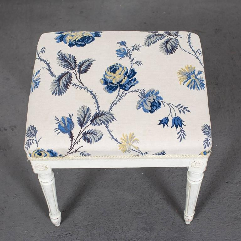 A Pair of Swedish Gustavian Stools For Sale 1