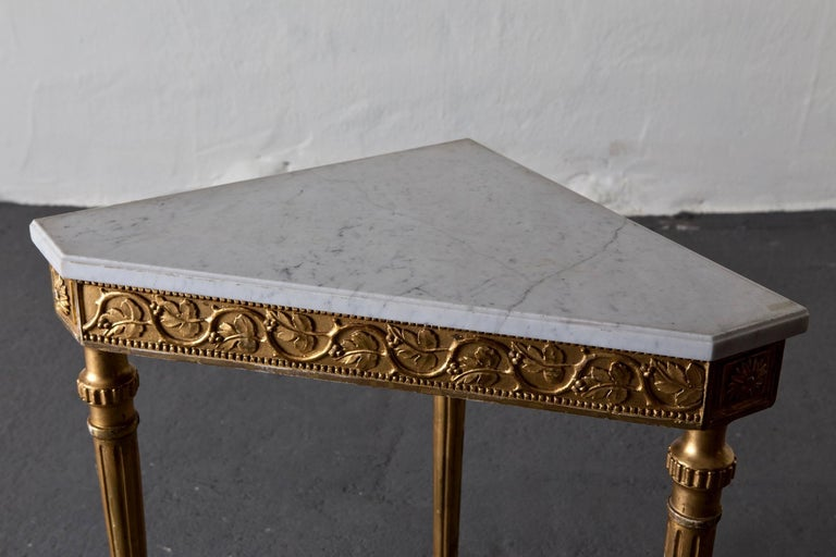 Table Console Swedish Neoclassical 18th Century Marble Giltwood Sweden In Good Condition For Sale In New York, NY