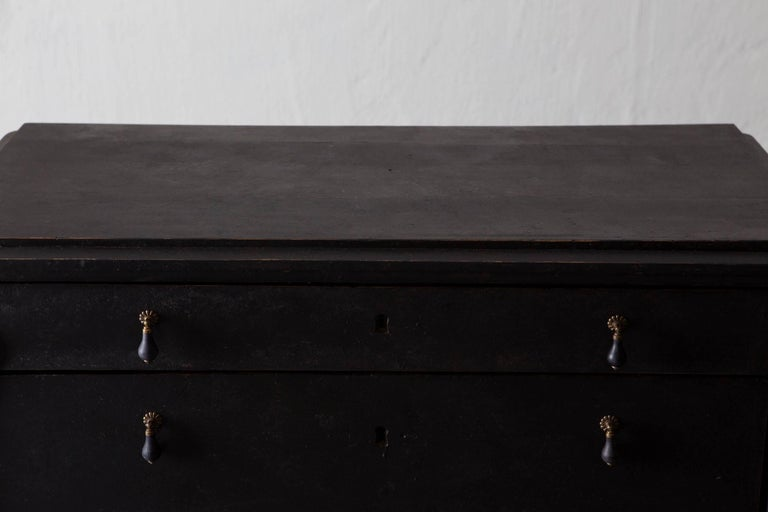 Chest of Drawers Swedish, 19th Century, Sweden In Excellent Condition For Sale In New York, NY