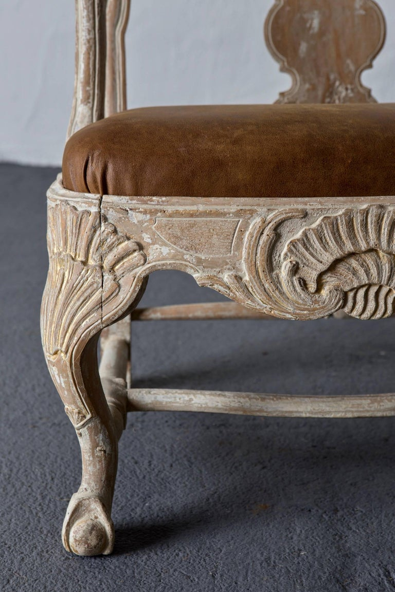 Sofa Bench Swedish Rococo Original Light Paint 1750-1775, Sweden In Good Condition For Sale In New York, NY