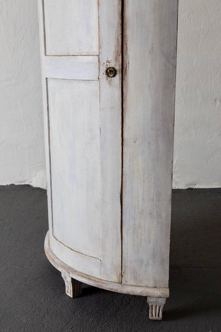 Cabinet Corner Swedish Gustavian White Neoclassical 19th Century Swedish  For Sale 3