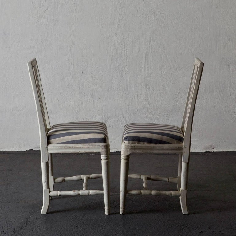 Dining Chairs Set of Six Swedish Gustavian Neoclassical White Sweden In Good Condition In New York, NY