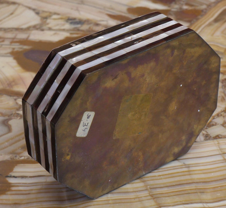 Tessellated Mother-of-Pearl and Horn Box with Brass Interior In Excellent Condition For Sale In Kilmarnock, VA