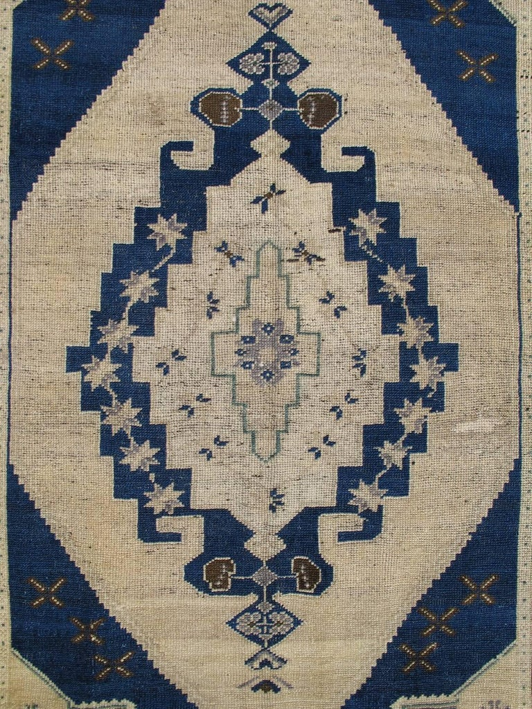 Vintage Turkish Oushak Rug With Floral Motifs In Navy Blue