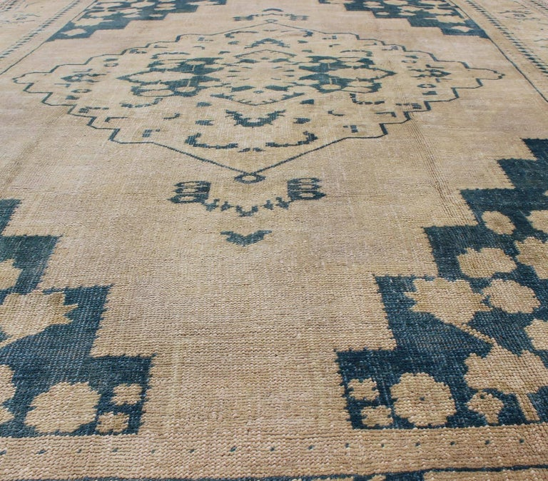 Vintage Turkish Oushak Rug in Blue and Cream colors For Sale 1