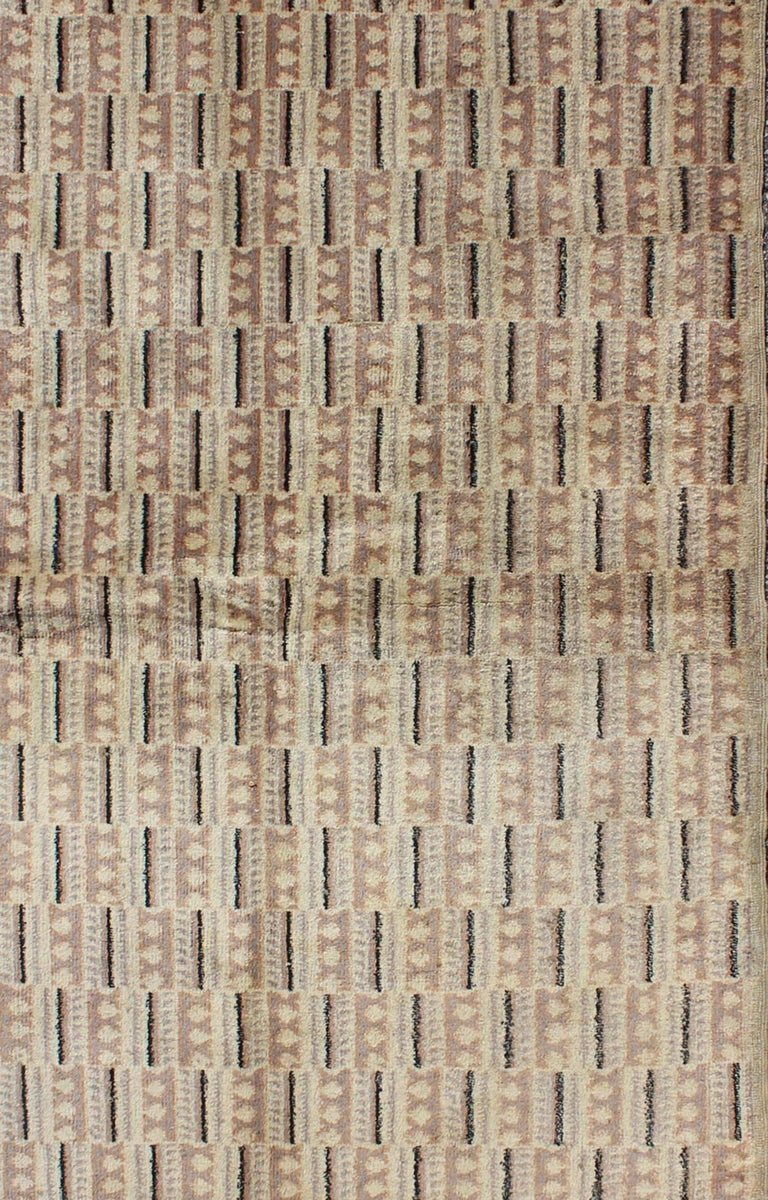 Turkish Vintage Zeki Müren Rug with a Modern Design For Sale