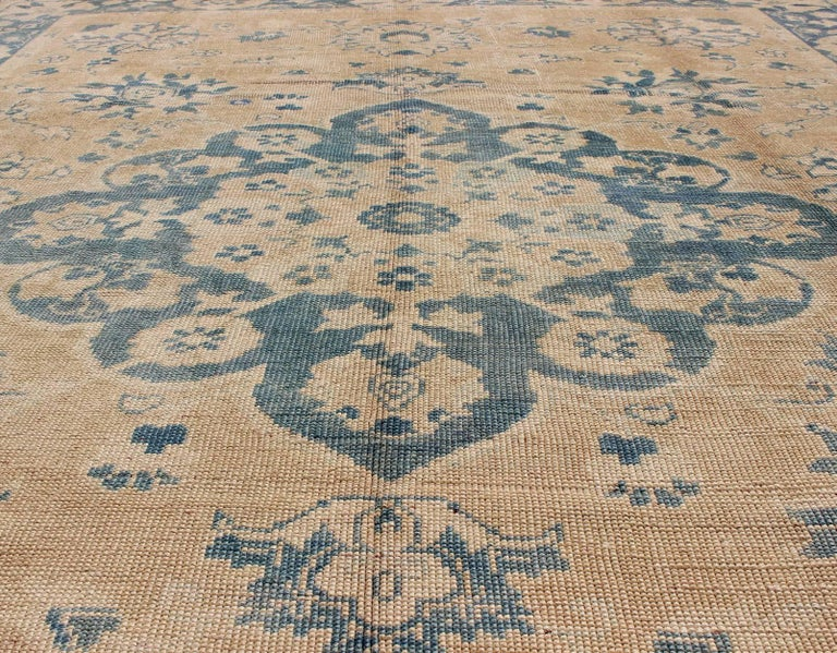 20th Century Vintage Turkish Oushak Rug in Cream and Blue For Sale