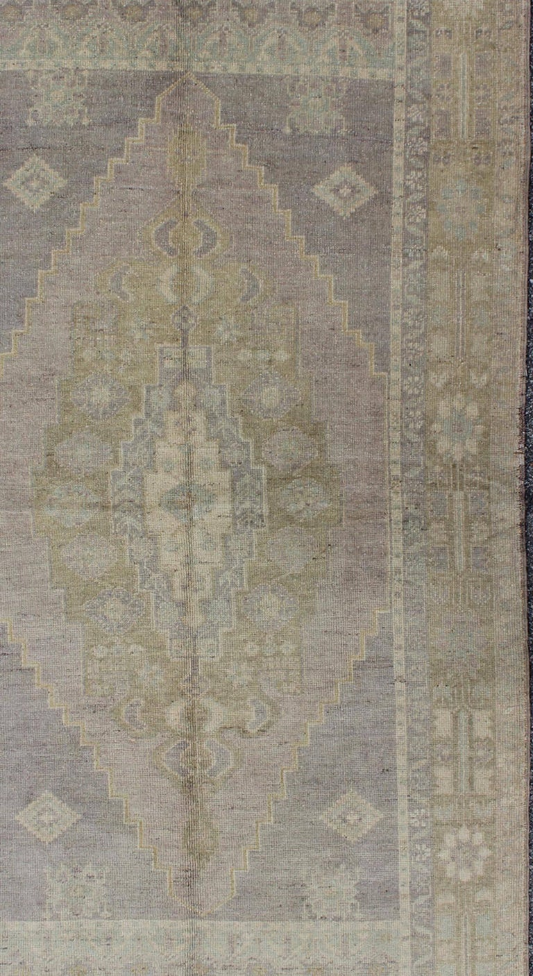 Vintage Turkish Oushak Rug With Layered Medallion In Gray
