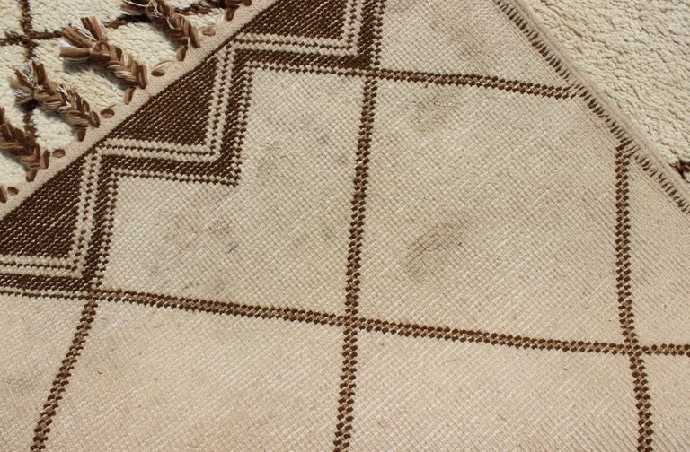 Tribal Vintage Moroccan Rug with Ivory and Brown Diamond Shapes For Sale 6