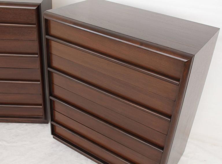 Mid-Century Modern Pair of Robsjohn-Gibbings Bachelor Four Drawer Chests Dressers For Sale