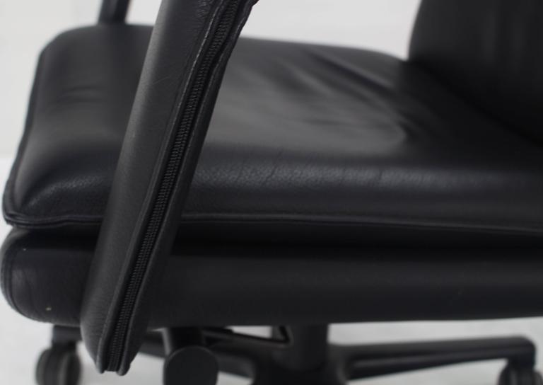 Mid Century Modern Black Leather Fully Adjustable Swivel Tilt Lounge Desk  Office Chair Keilhauer For