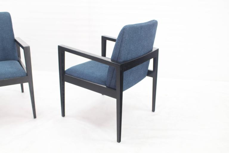 Pair of Mid-Century Modern Ebonized Lounge Chairs For Sale 1