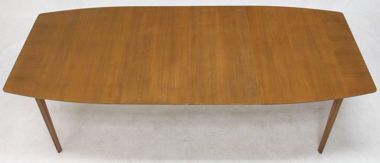 20th Century Widdicomb Walnut Dining Table w/ Two Extension Boards Leaves  For Sale