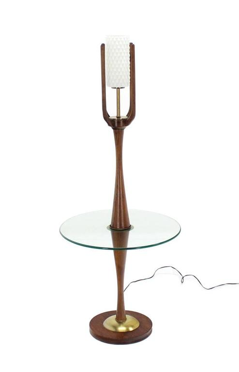Sculptural Mid-Century Modern Floor Lamp with Built In Round Glass Side Table In Excellent Condition For Sale In Rockaway, NJ