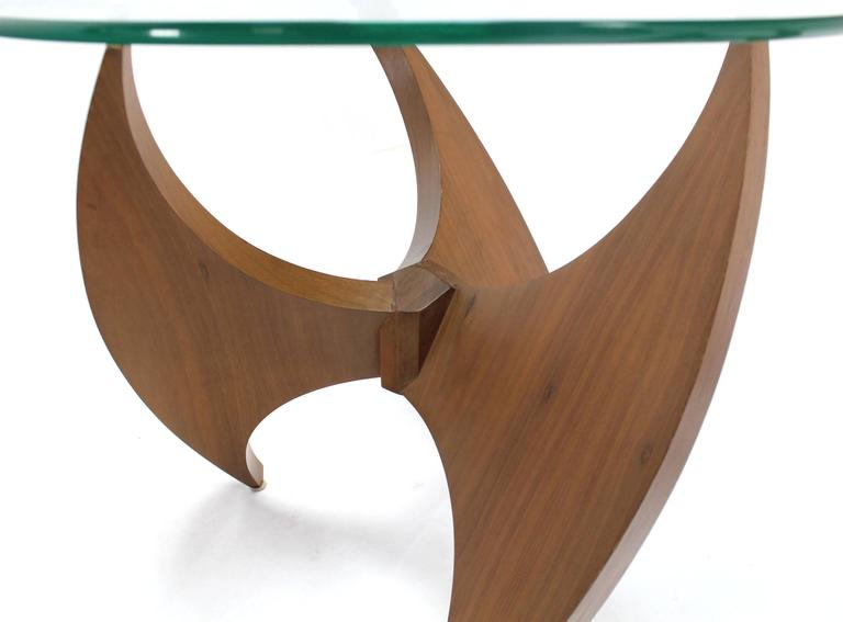 Walnut Propeller Base Glass Top Round End Side Tables  In Excellent Condition For Sale In Rockaway, NJ