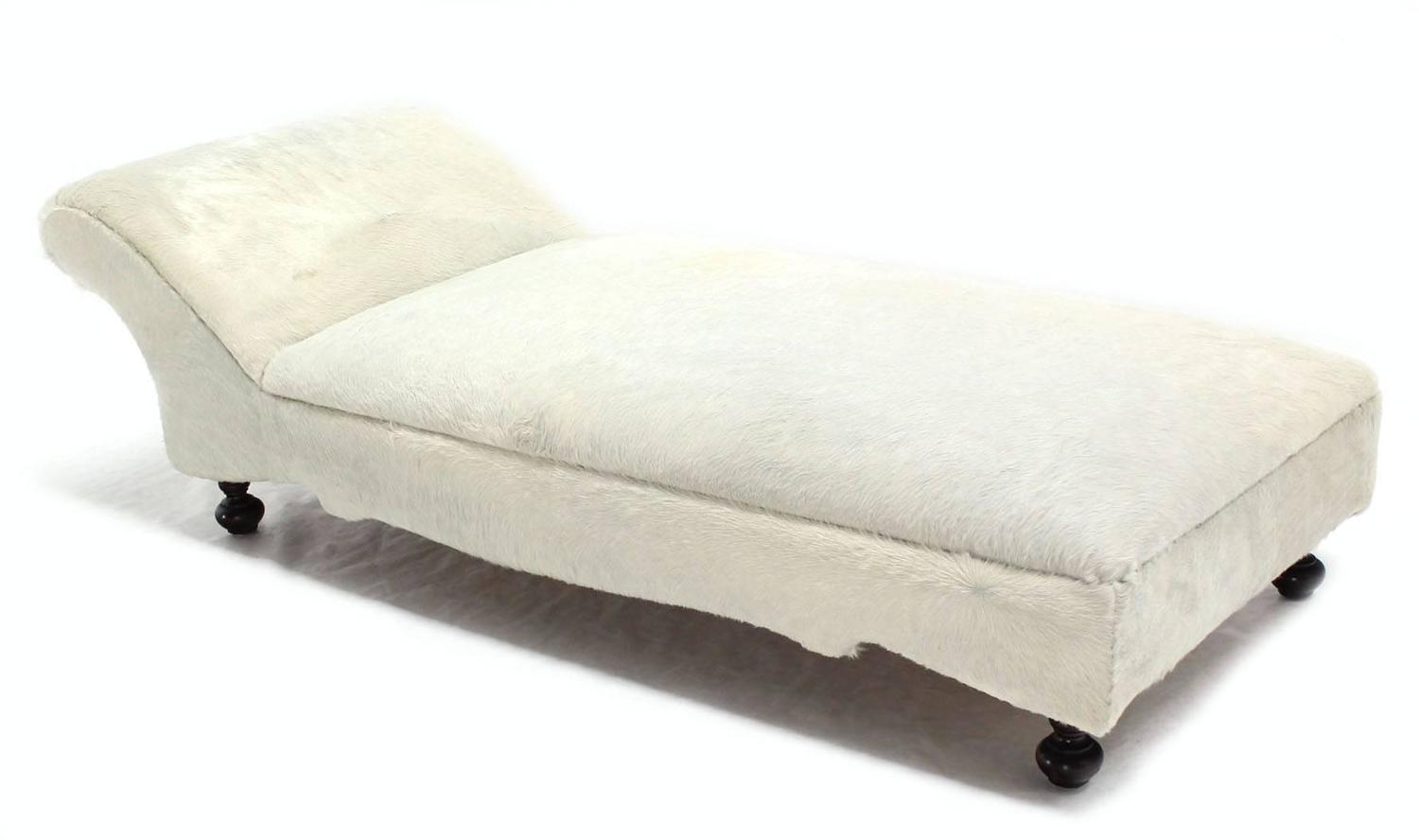 Cow hide upholstery chaise longue daybed for sale at 1stdibs for Chaise lounge cowhide