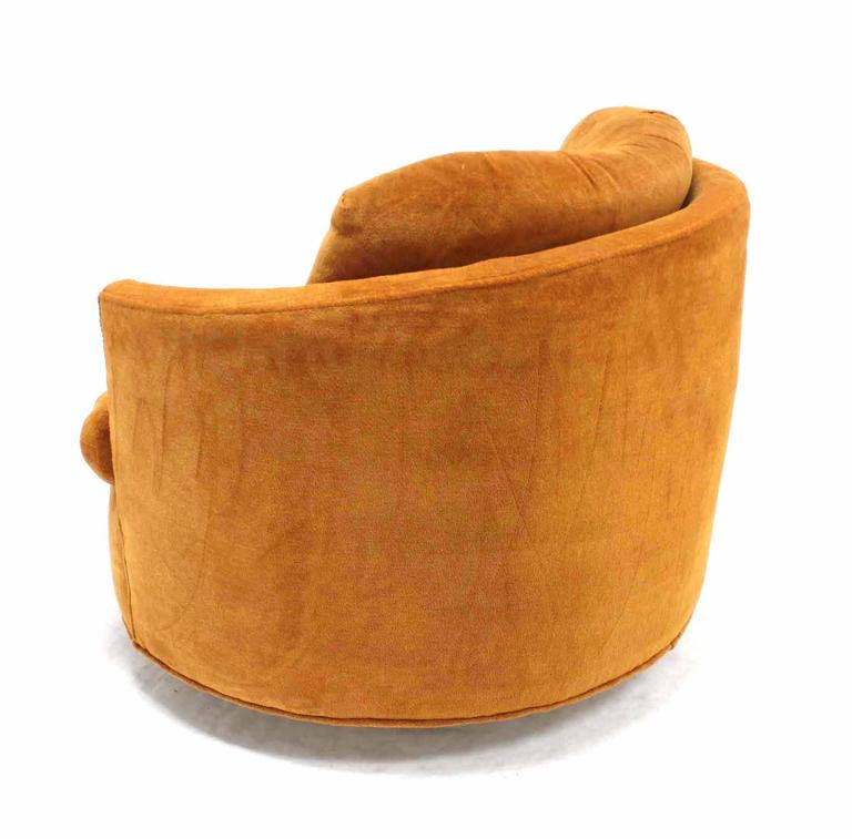 Mid Century Modern Round Barrel Back Swivel Lounge Chair