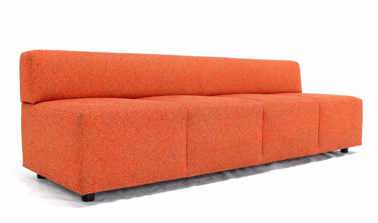 Orange Upholstery Steelcase Sofa Booth In Excellent Condition For Sale In Elmwood Park, NJ