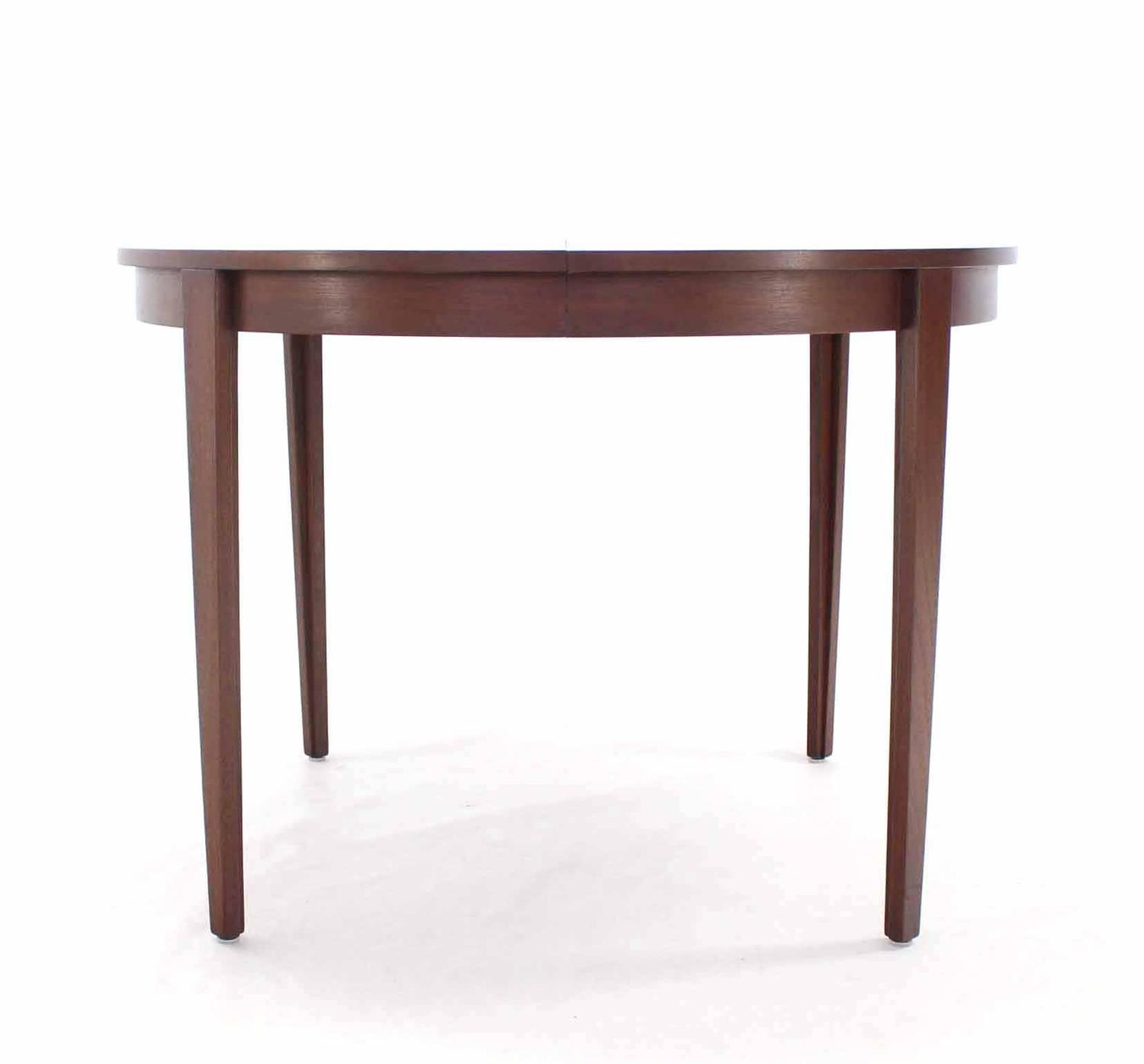 Round dunbar dining table with four extension leaves for for 3 leaf dining room tables