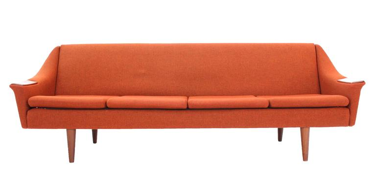 Rare Danish Modern Convertible Brick Wool Upholstery Daybed Sofa In Good Condition For Sale In Rockaway, NJ