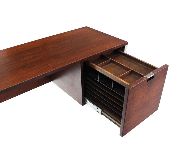 Dunbar Large Walnut Executive Desk with Return For Sale 1