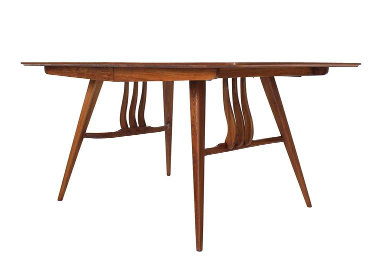 Mid-Century Modern Walnut Sculptured Base Dining Table For Sale 1