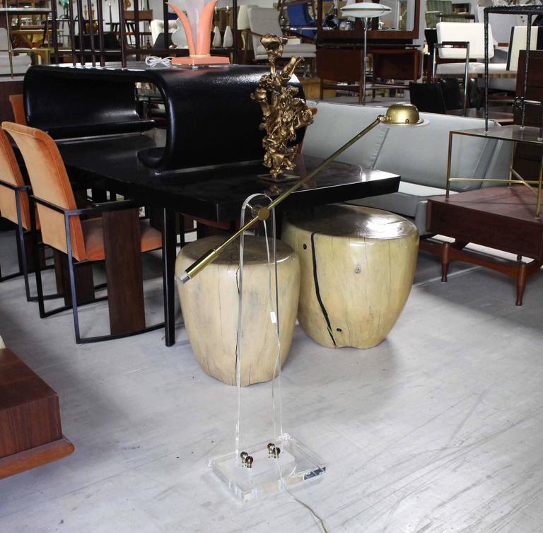 Very nice Mid-Century Modern adjustable reading floor lamp.