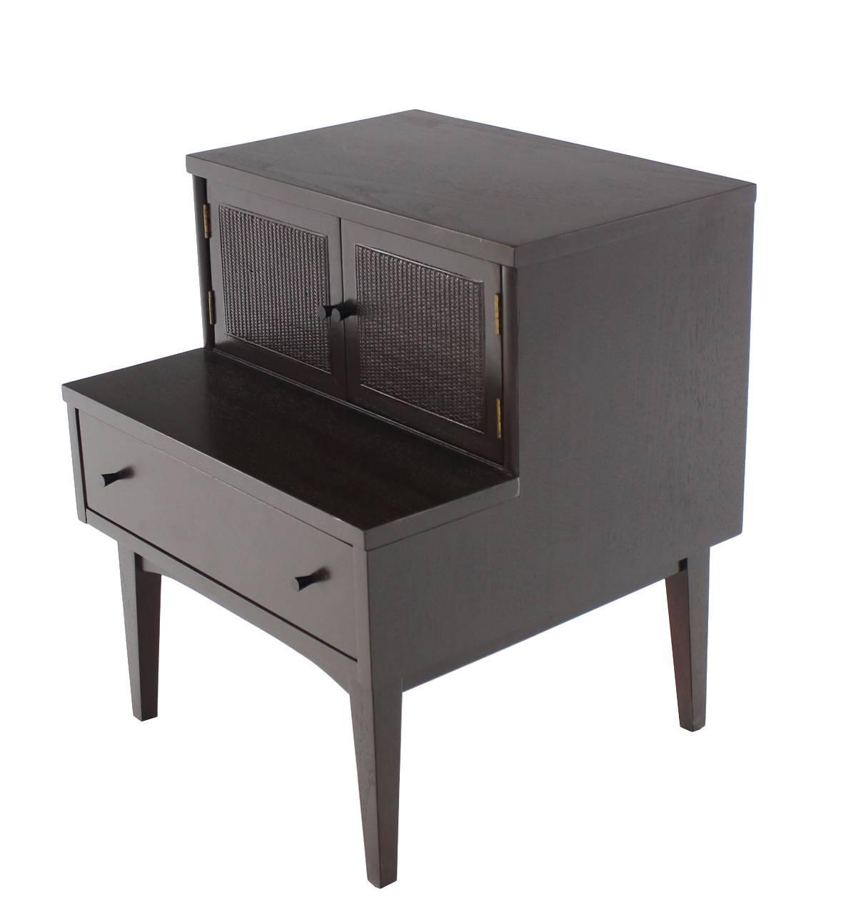 Pair Of Mid Century Modern Nightstands For Sale At 1stdibs. Full resolution  image, nominally Width 1178 Height 1292 pixels, image with #5D5852.