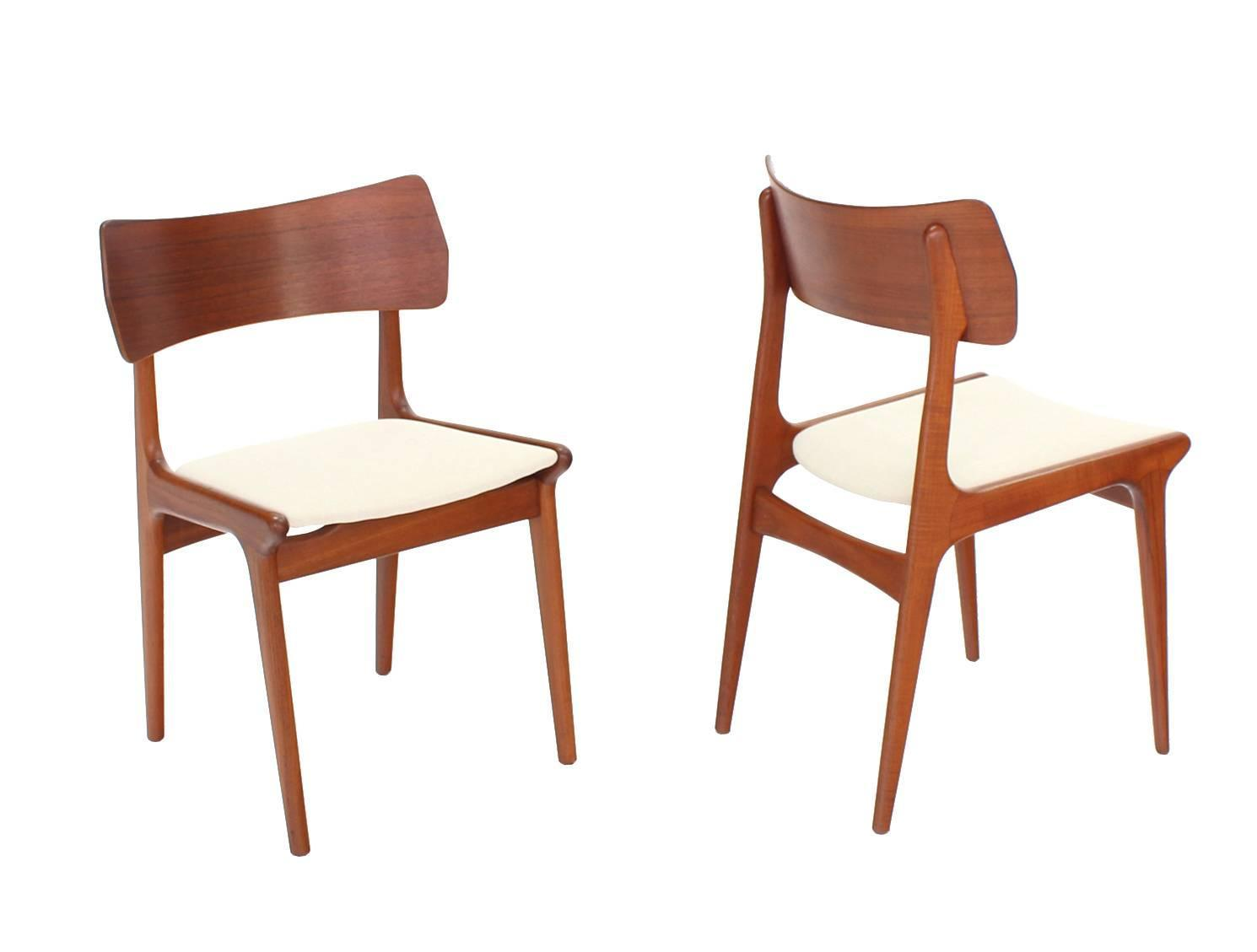 Set Of Four Danish Mid Century Modern Dining Chairs For Sale At 1stdibs