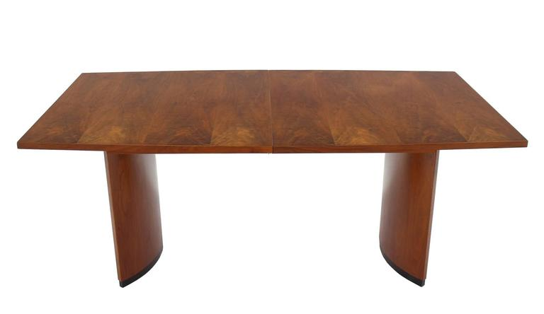 404288829a94 American Very Nice Mid-Century Modern Walnut Dining Table with Two  Extension Leaves For Sale