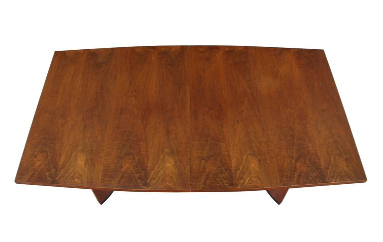 3e6621a367df Very Nice Mid-Century Modern Walnut Dining Table with Two Extension Leaves  For Sale 2