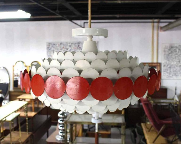 Mid-Century Light Fixture In Good Condition For Sale In Blairstown, NJ