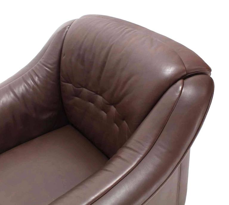 Pair of Brown Leather Lounge Chairs with Ottomans For Sale 3