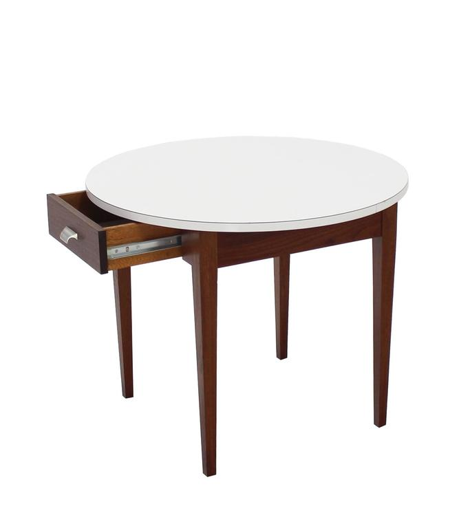 Mid-Century Modern Nice Oiled Walnut Base Round Laminated Top Side Table For Sale