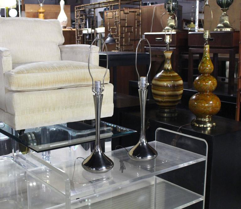 Pair of very nice metal drop shape modern table lamps.