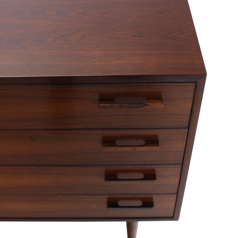 Nice Four Drawers Mid-Century Modern Rosewood Bachelor Chest 6