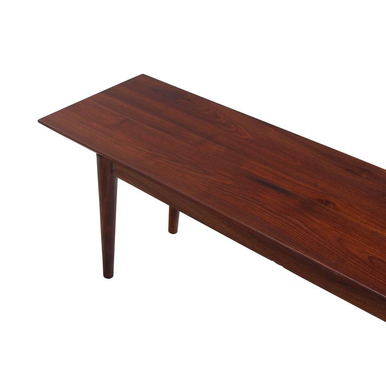 Rare Early Walnut Bench or Coffee Table by Risom In Good Condition For Sale In Rockaway, NJ