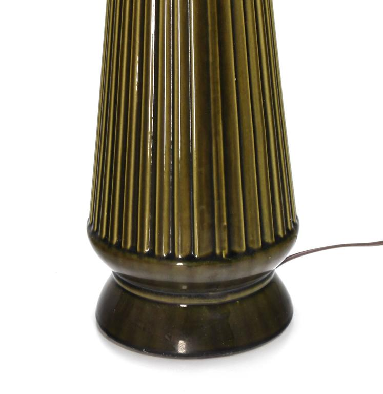 Art Potery Green Glase Table Lamp In Excellent Condition For Sale In Rockaway, NJ