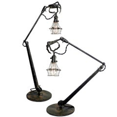 Articulated Hand Table Lamp