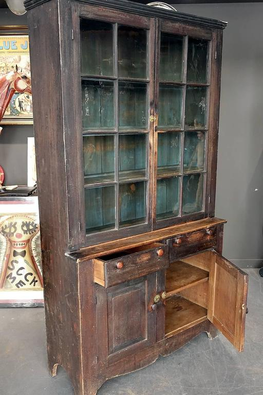 Mid-1800s Glazed Two-Tier Cupboard in Original Paint In Excellent Condition For Sale In Peekskill, NY