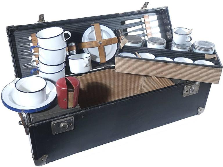 Frank and Holton Cased Picnick Set 2