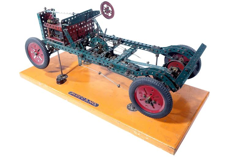 Factory Built Meccano Store Display In Excellent Condition For Sale In Peekskill, NY