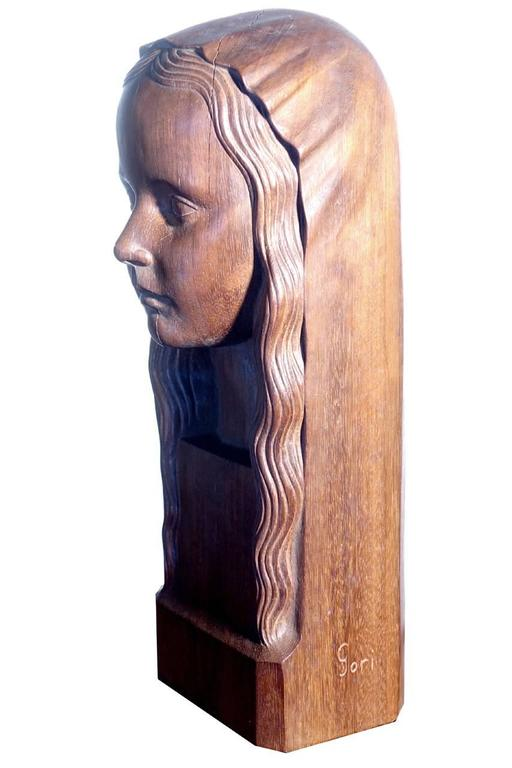 Finely Carved Art Deco Sculptural Head Signed Gori In Excellent Condition For Sale In Peekskill, NY