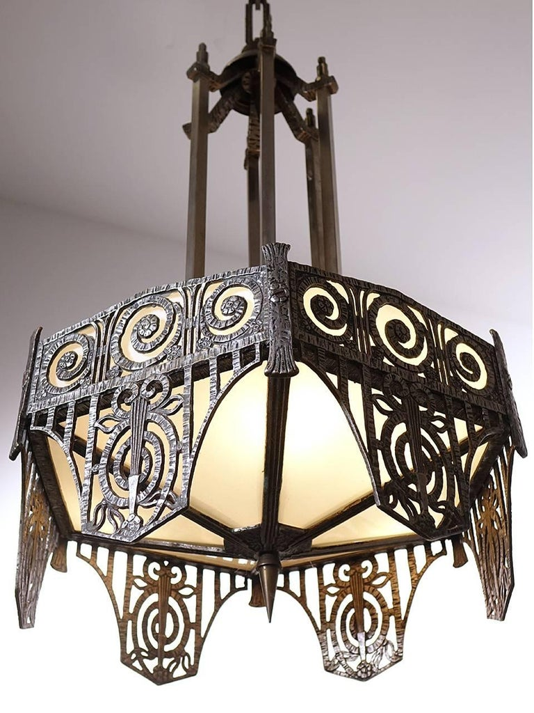 20th Century Pair of Highly Detailed French Art Deco Chandelier For Sale