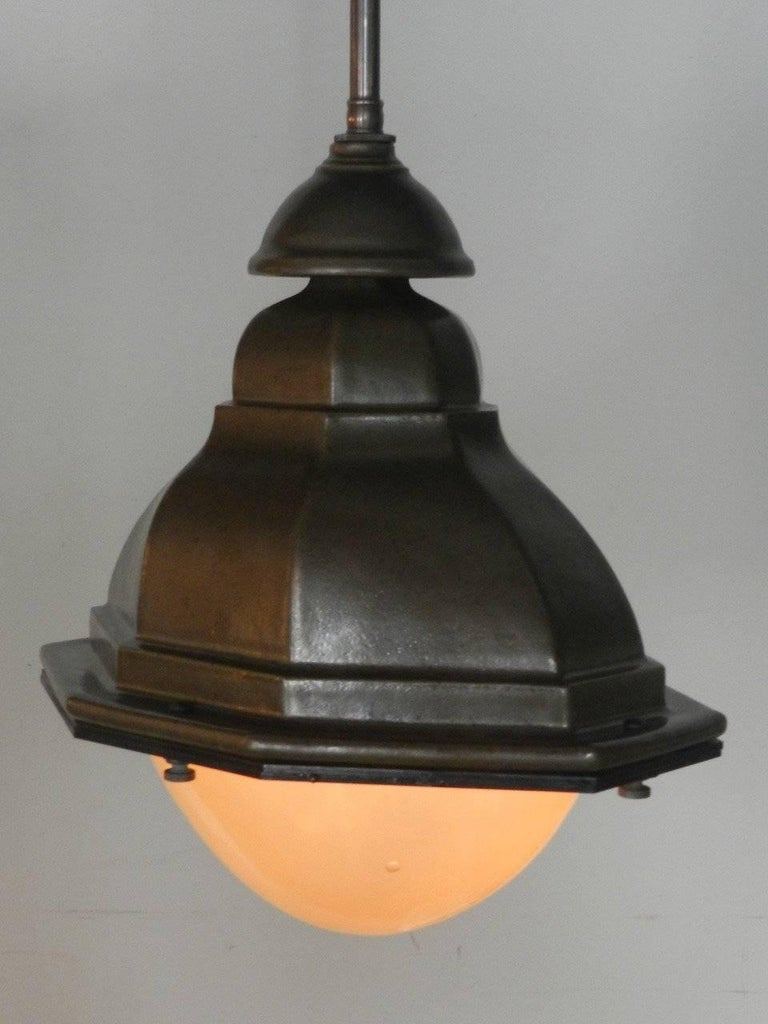 Industrial Oval French Style Terracotta Street Lights For Sale