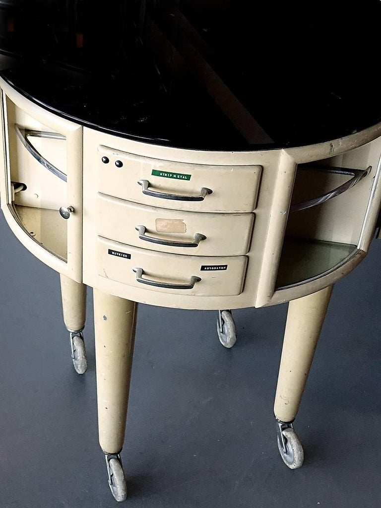 French Rotating Dental Table In Excellent Condition For Sale In Peekskill, NY