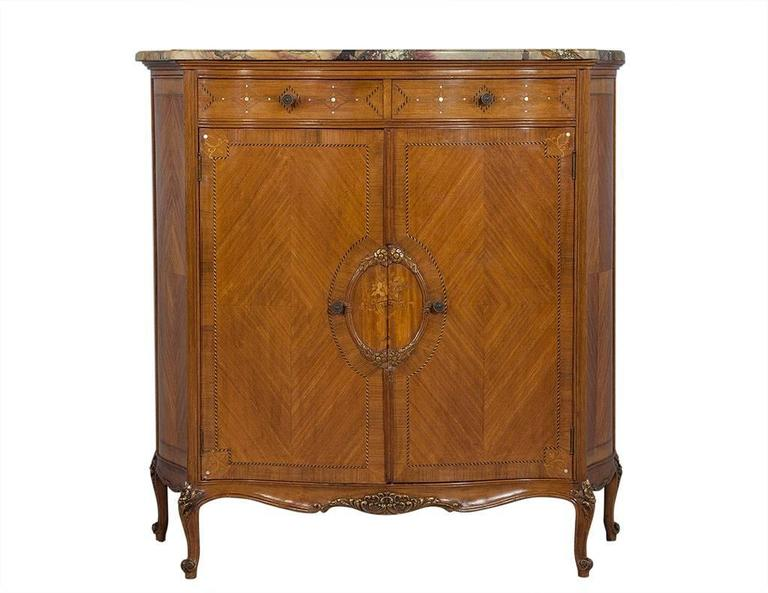 french country louis xv style chest for sale at 1stdibs. Black Bedroom Furniture Sets. Home Design Ideas