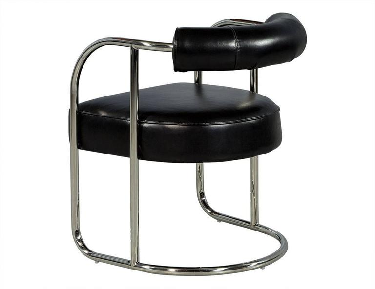 Luxurious bauhaus inspired black leather chair for sale at for Replica bauhaus